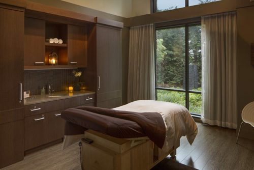 spa brown room